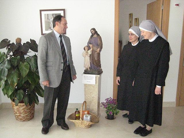 Moya-Angeler visita a las Hermanitas de los Pobres en su nuevo asilo - 1, Foto 1