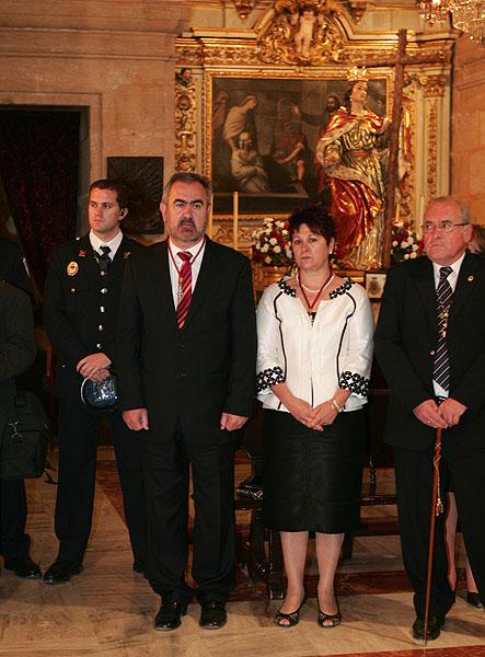El delegado del Gobierno en la ceremonia de imposición de la insignia de cofrade - 1, Foto 1