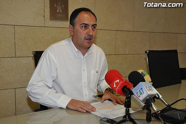 El portavoz del equipo de Gobierno, José Antonio Valverde, hace una valoración del Pleno ordinario del mes de abril - 1, Foto 1