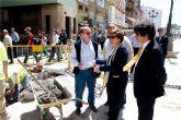 La alcaldesa supervisa las obras de la calle Mayor