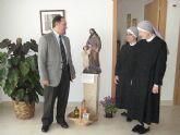 Moya-Angeler visita a las Hermanitas de los Pobres en su nuevo asilo