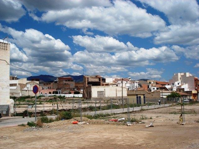Critican el retraso de 6 años en las obras de  Urbanizaci�n en la Unidad de Actuaci�n La Yesera, Foto 1