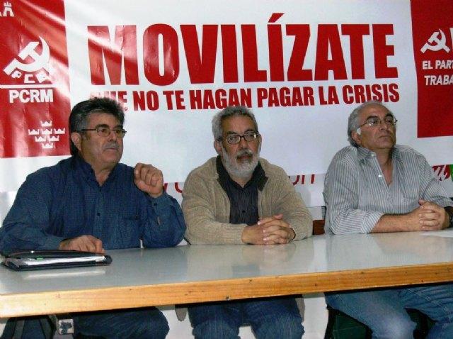 """""""Los cien mil millones para los bancos no van a llegar a trabajadores y empresas"""" dice Jos� A. Garc�a Rubio de IU, Foto 1"""
