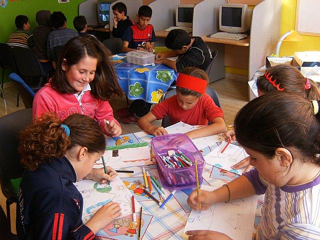 """Los niños y niñas de las edutecas """"Puzle"""", """"Alvag�n"""", """"Parch�s"""" y """"Colorines"""" celebran el """"D�a de la Tierra"""", Foto 2"""