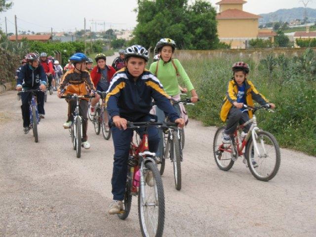 La jornada de la Escuela Deportiva Municipal de Ciclismo contó con la participación de más de una veintena de ciclistas, Foto 2