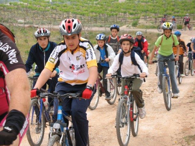 La jornada de la Escuela Deportiva Municipal de Ciclismo cont� con la participaci�n de m�s de una veintena de ciclistas, Foto 3