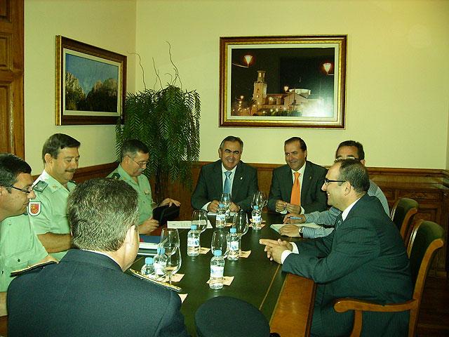 El delegado del Gobierno copreside la Junta Local de Seguridad en Fortuna - 1, Foto 1