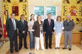 El delegado del Gobierno y la presidenta de ASTRAPACE presentan la V Edición de la Regata de la asociación