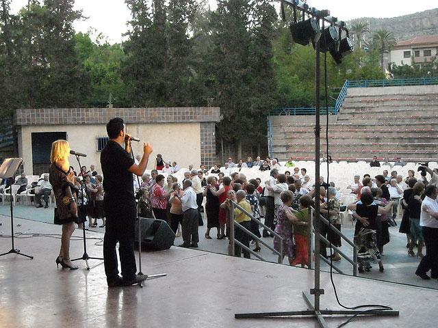Los Mayores de la localidad disfrutaron con el inicio de la celebración de su semana, Foto 3