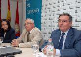 Ruiz Abellán habló sobre la institución del Defensor del Pueblo en la Escuela de Turismo