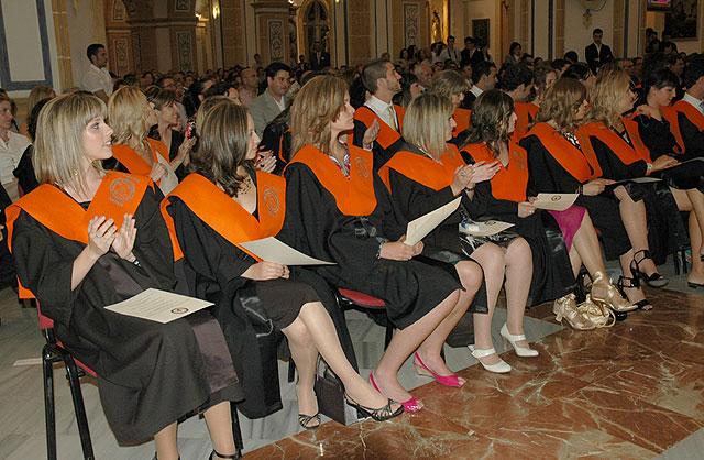 Los nuevos graduados en ADE y Turismo de la UCAM, reciben sus Becas y Diplomas acreditativos - 1, Foto 1