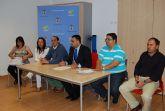 El alcalde y los miembros del equipo de Gobierno mantienen una reunión de trabajo con los vecinos de San Roque y Las Parras