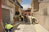 Autoridades municipales visitan las obras de sustitución de aceras, adoquinado y regeneración de servicios en las calles Barranco, Ródenas y Virgen del Castillo