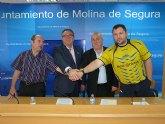 El Ayuntamiento de Molina de Segura muestra su apoyo al equipo de baloncesto A.D. Molinense para la fase final de ascenso a la Liga LEB Plata