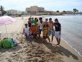 Los alumnos que han participado en el curso formativo del Aula Ocupacional realizan una excursión de fin de curso a las playas de Mazarrón