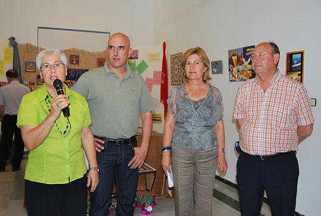 La Asociación CERES muestra sus trabajos de pintura y cerámica en el Centro Cultural Plaza Vieja, Foto 1