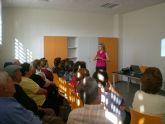 """Más de 20 personas asisten a la charla sobre """"Nutrición y alimentación saludable"""""""