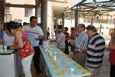 Los mayores han sido obsequiados con granizado de limón en el desarrollo de las fiestas que les están dedicadas