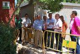 El delegado del Gobierno y el alcalde de Alhama ponen la primera piedra del nuevo parque infantil de tr�fico del municipio