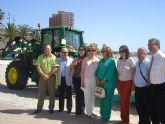 Los municipios del Mar Menor cuentan con nuevas máquinas limpia playas para este verano