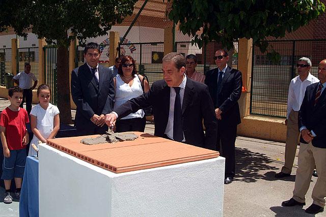 Hoy quedó colocada la primera piedra del pabellón polideportivo de Campoamor - 1, Foto 1