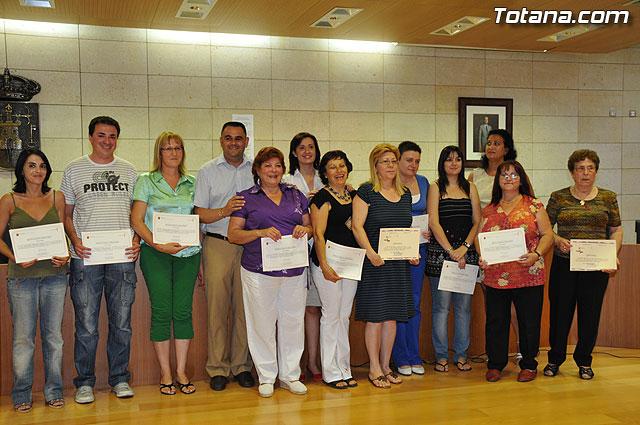 La Concejalía de Mujer e Igualdad de Oportunidades clausura las actividades 08-09 con la entrega de diplomas de distintos cursos - 1, Foto 1