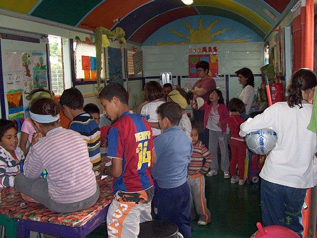 """El proyecto de Dinamización Social de Barrios de """"El Candil"""" clausura el curso con una fiesta de despedida de verano - 2, Foto 2"""