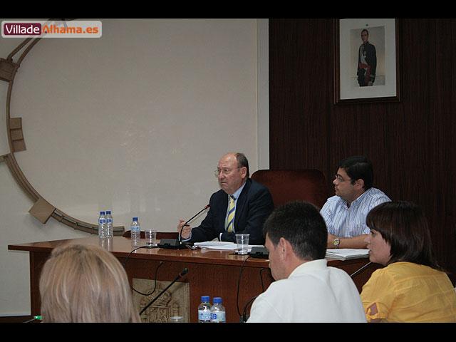 El Pleno de la corporación aprueba por unanimidad la creación de una comisión para consensuar el proyecto de remodelación del Jardín de los Patos, Foto 4