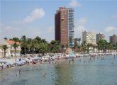 La Alcaldesa anuncia la mejora del embarcadero del ferry entre otras actuaciones inmediatas en la zona de playa en Santiago de la Ribera