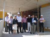La consejera visita las obras de ampliación del Centro de Salud de La Unión
