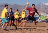 C�lida acogida del 'I Trofeo Balonmano Playa Bah�a de Mazarr�n'