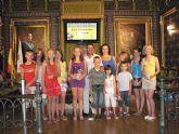 Once niños y niñas bielorrusos pasan sus vacaciones en Mazarr�n