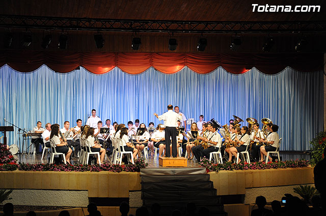 """The """"XII Festival of Bands"""" featured a performance of two musical groups of Totana and the Paretón, Foto 1"""