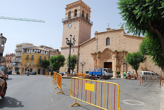 Some streets of the town remain closed to traffic from Thursday through Sunday, Foto 1