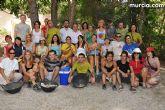 J�venes europeos y asi�ticos acondicionan los senderos naturales de Sierra Espuña