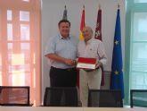 Un portmanero nombrado socio de honor en la Asociación de Ingenieros Navales y Oceánicos
