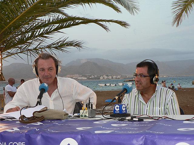 La Cadena Cope realizó su programa del sábado noche en la Plaza de las Comunidades Autónomas del Puerto de Mazarrón, Foto 1