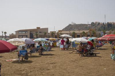 La campaña 'Búrlalas' llega a las playas de Mazarrón, Foto 1