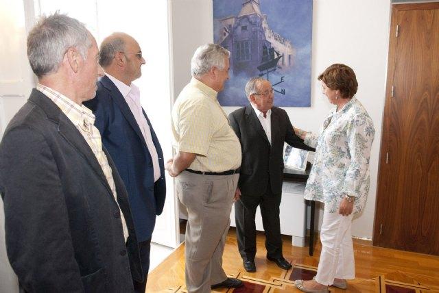 La alcaldesa recibe a la directiva del Centro Gallego de la Región de Murcia - 1, Foto 1