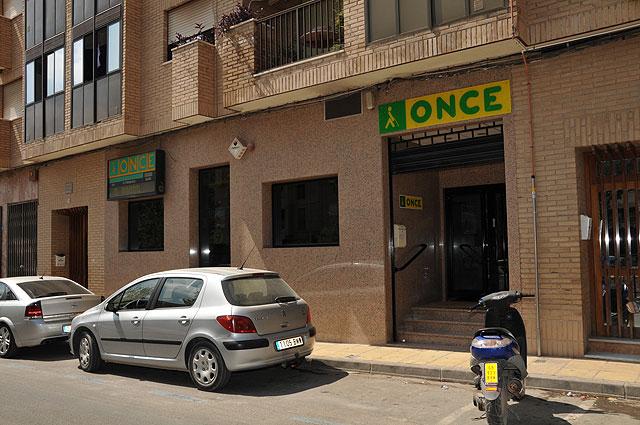 IU rechaza de plano el cierre de la Oficina de la ONCE en Totana que dejará sin esa infraestructura a más de 40 vendedores - 1, Foto 1