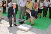 González Tovar y Diego Cervantes ponen la primera piedra del nuevo Edificio Municipal de Usos Múltiples de Mula