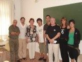 Los alumnos del curso de dramaturgia impartido por Juan Carlos Rubio reciben sus diplomas