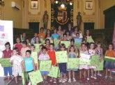 Más de 200 niños y niñas han participado en el concurso de dibujo sobre el reparto de tareas domésticas
