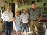 El alcalde visita al minero y a la viuda de minero homenajeados en el XLIX Festival del Cante de las Minas