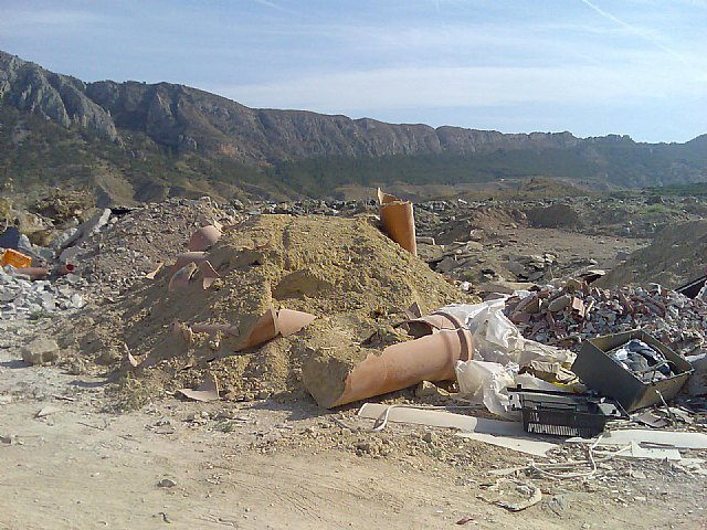 Ecologistas en Acción denuncia un vertedero ilegal en LIC y ZEPA de la sierra de Ricote - 2, Foto 2