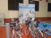 La concejalía de Turismo instalará cinco nuevas bases de préstamo de bicicletas en La Manga