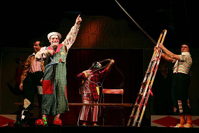 La saga de los Colombaioni, que fueron habituales en las películas de Fellini, le rinden homenaje con un espectáculo basado en su obra I Clowns - 1, Foto 1