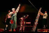 La saga de los Colombaioni, que fueron habituales en las películas de Fellini, le rinden homenaje con un espectáculo basado en su obra 'I Clowns'