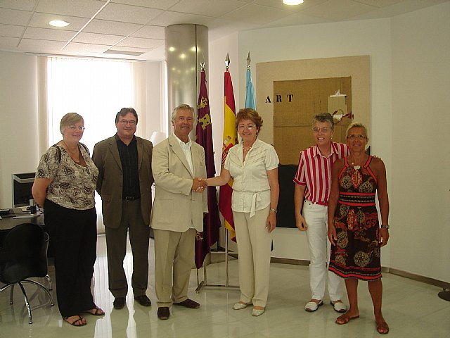 El alcalde del municipio francés Castelnau-le-Lez traslada a la Alcaldesa de San Javier la intención de hermanar ambos municipios - 1, Foto 1