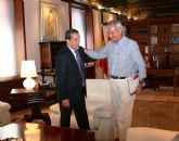 Valcárcel recibe al alcalde de Alcantarilla, Lázaro Mellado